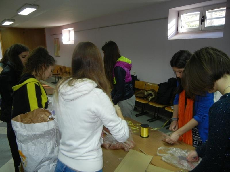 volonteri-bozicna-akcija-2013-003
